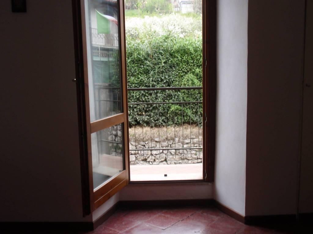 Appartamento in buone condizioni arredato in affitto Rif. 8638773
