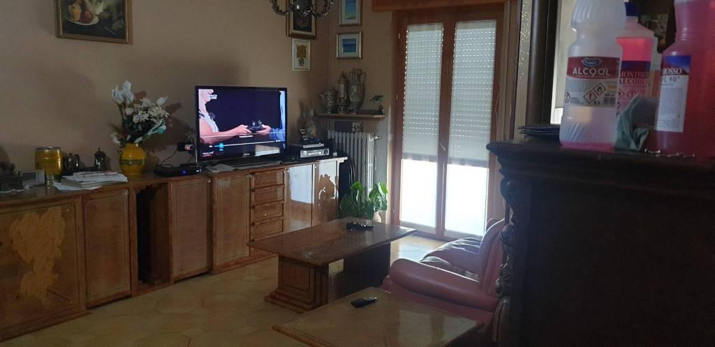 Appartamento in vendita a Pioltello, 3 locali, prezzo € 145.000 | CambioCasa.it