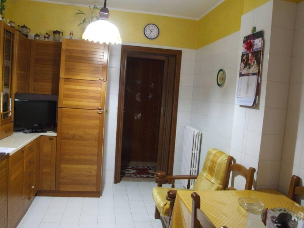 Appartamento in vendita a Apice, 5 locali, prezzo € 75.000   CambioCasa.it