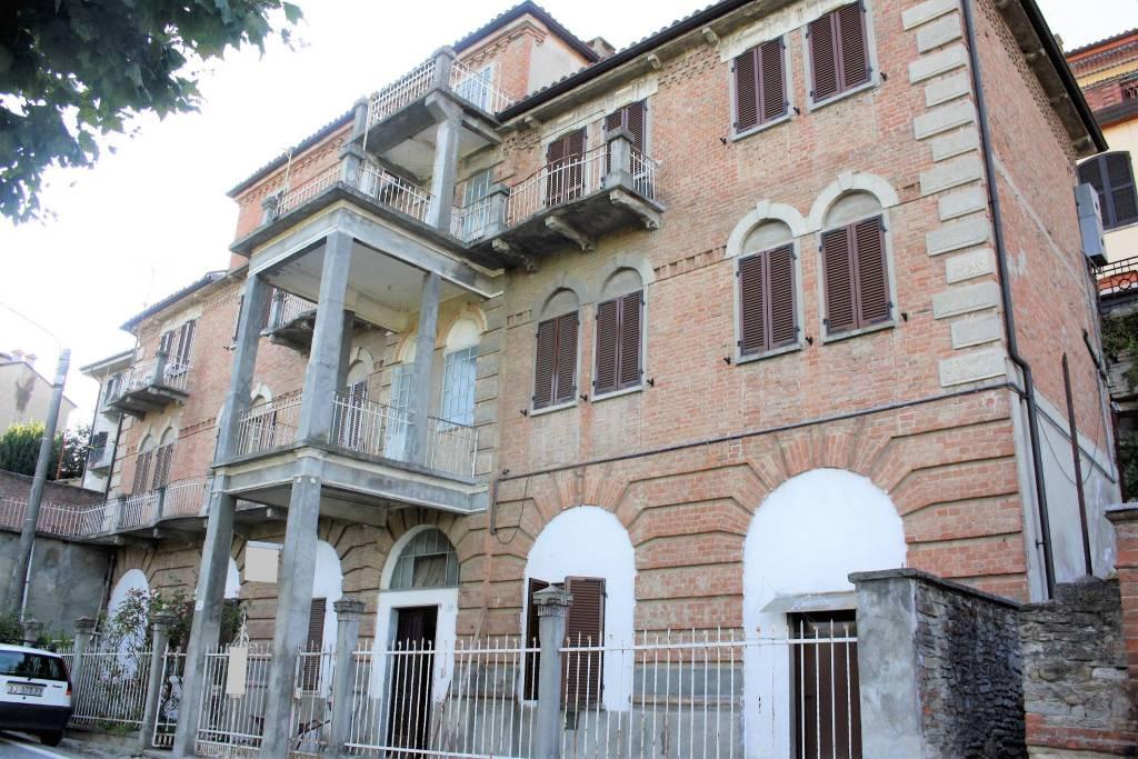 Appartamento in vendita a Castiglione Tinella, 6 locali, prezzo € 85.000 | PortaleAgenzieImmobiliari.it