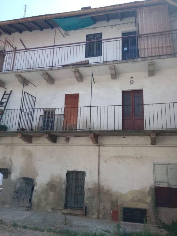 Appartamento in vendita a Arcisate, 3 locali, prezzo € 30.000   PortaleAgenzieImmobiliari.it