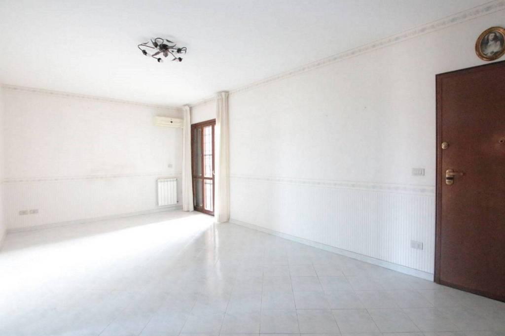 Appartamento in Vendita a Tremestieri Etneo Centro: 2 locali, 56 mq
