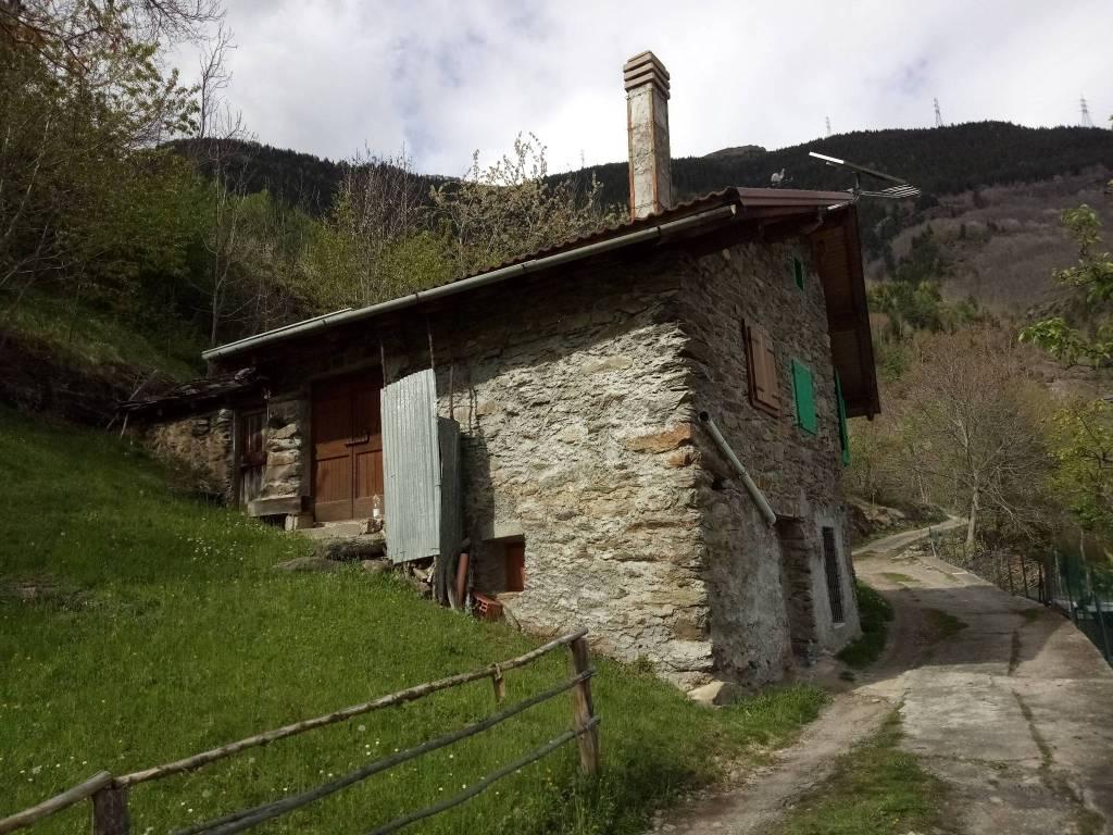 Rustico / Casale in vendita a Corteno Golgi, 4 locali, prezzo € 45.000 | PortaleAgenzieImmobiliari.it