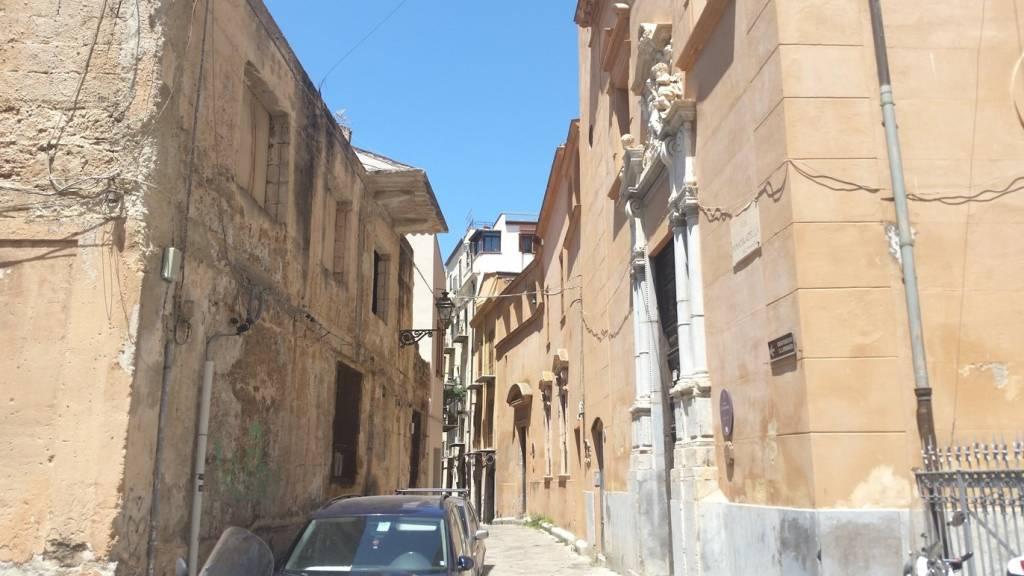 Appartamento in Vendita a Palermo Centro:  5 locali, 171 mq  - Foto 1