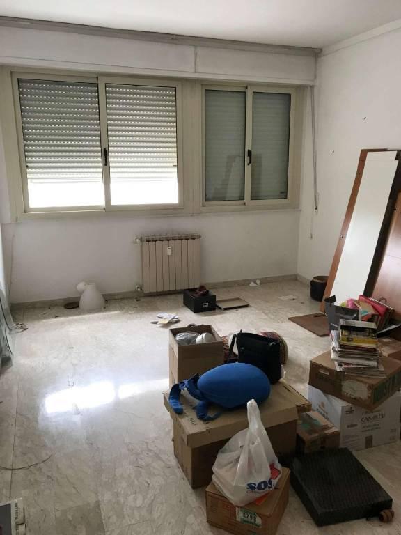 Appartamento in vendita a Livorno, 6 locali, prezzo € 140.000   CambioCasa.it
