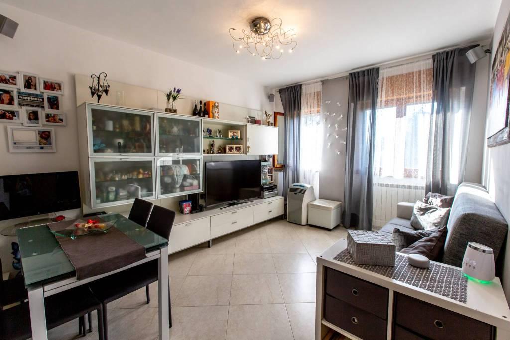 Appartamento in vendita a Settimo Milanese, 3 locali, prezzo € 146.000 | CambioCasa.it