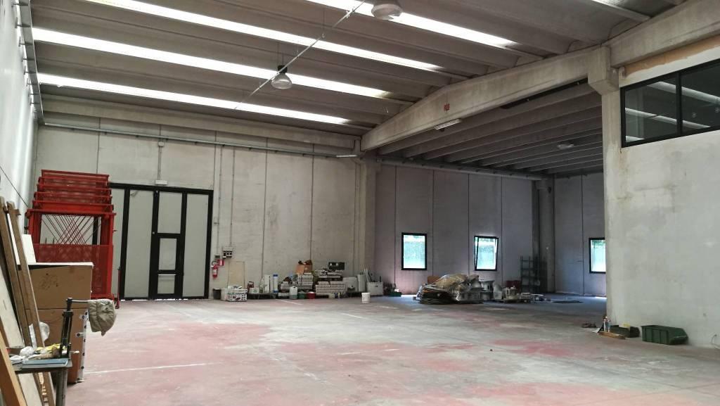 Capannone in vendita a Binasco, 1 locali, prezzo € 800.000 | PortaleAgenzieImmobiliari.it