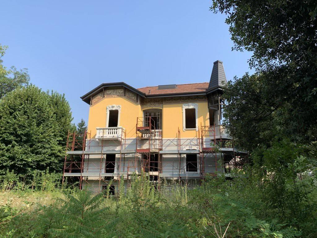 Villa in vendita a Cassano Magnago, 5 locali, prezzo € 490.000   CambioCasa.it