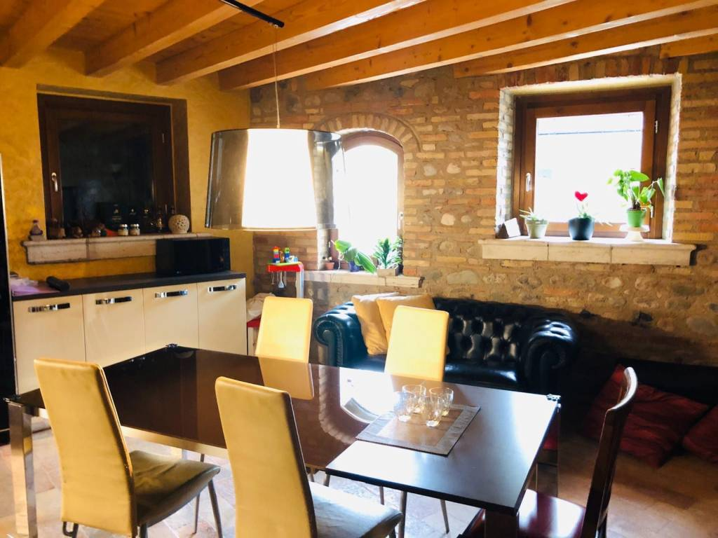 Appartamento in vendita a Montichiari, 4 locali, prezzo € 310.000 | PortaleAgenzieImmobiliari.it