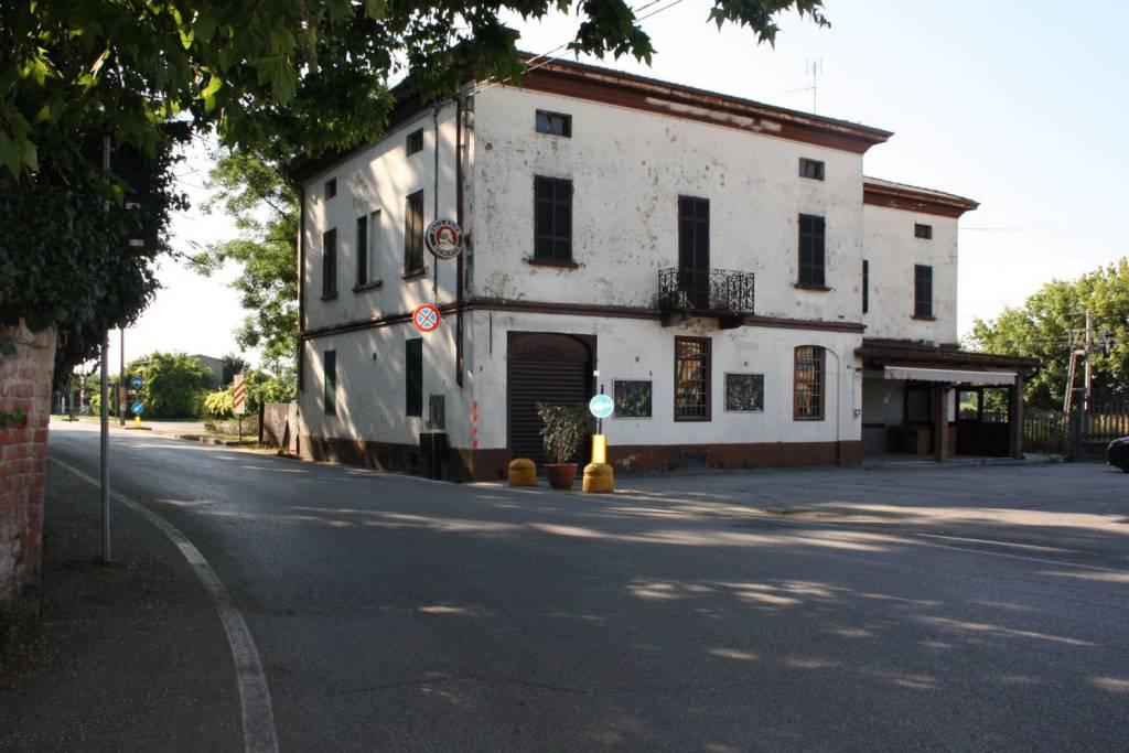 Palazzo / Stabile in vendita a Acquanegra Cremonese, 9999 locali, prezzo € 160.000 | PortaleAgenzieImmobiliari.it