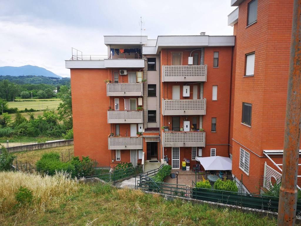 Appartamento in vendita a Fara in Sabina, 3 locali, prezzo € 99.000 | CambioCasa.it