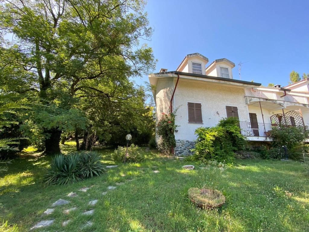 Villa in vendita a Pietra Marazzi, 5 locali, prezzo € 180.000 | CambioCasa.it