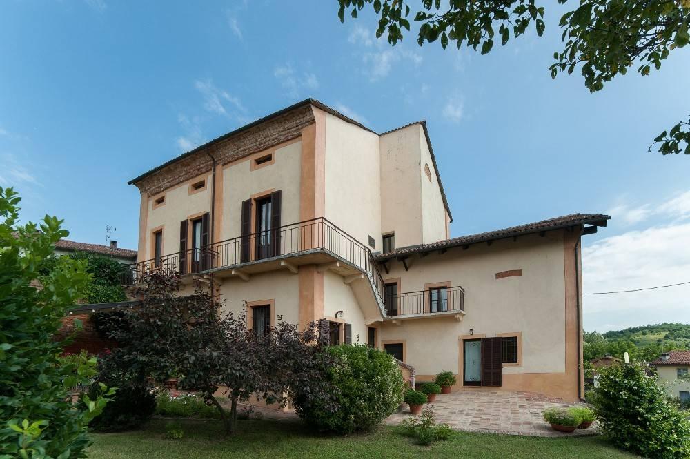 Soluzione Indipendente in vendita a Refrancore, 7 locali, prezzo € 380.000 | PortaleAgenzieImmobiliari.it