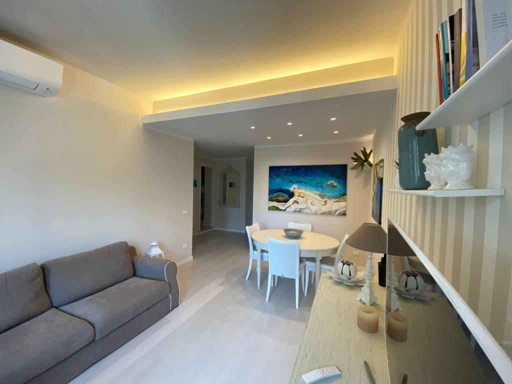 Appartamento in vendita a Alassio, 4 locali, prezzo € 435.000 | CambioCasa.it