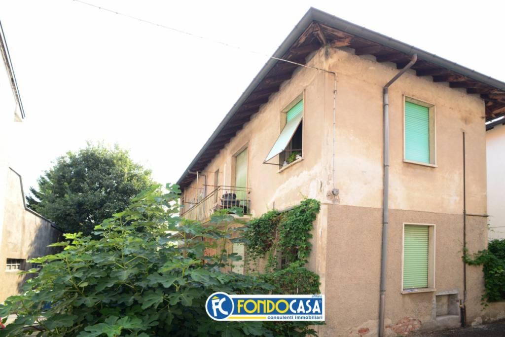 Appartamento in vendita a San Vittore Olona, 5 locali, prezzo € 115.000 | CambioCasa.it