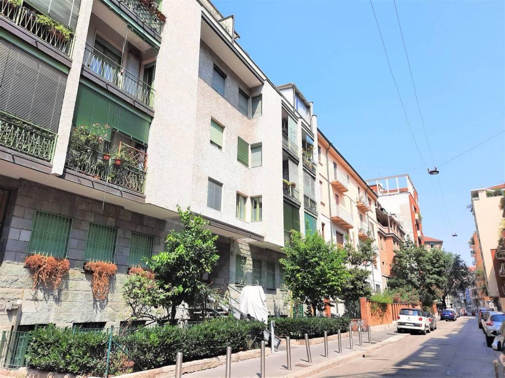 Appartamento in Vendita a Milano via giuseppe bardelli