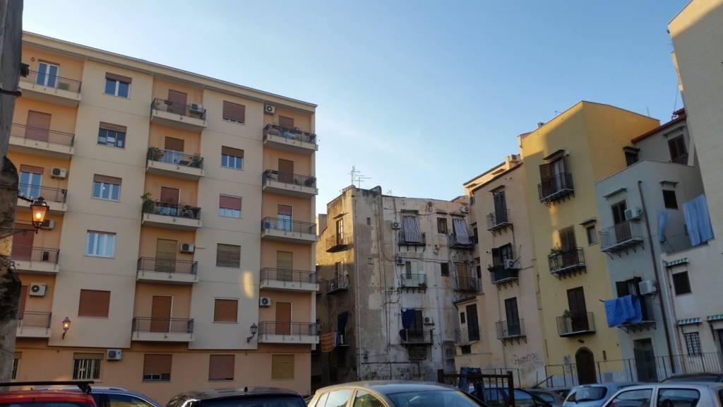 Casa indipendente in Vendita a Palermo Centro: 5 locali, 400 mq
