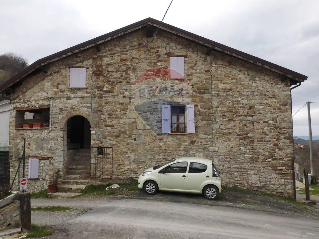 Foto 1 di Rustico / Casale Vallerano, 00, frazione Marzolara, Calestano