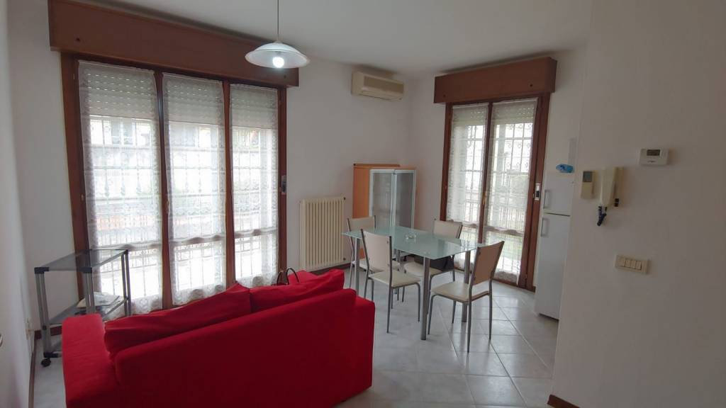 Appartamento in Affitto a Rottofreno Centro: 1 locali, 35 mq