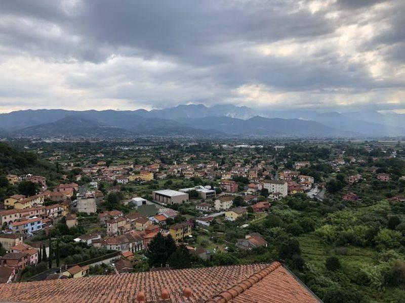 Appartamento in vendita a Ameglia, 3 locali, prezzo € 90.000 | CambioCasa.it