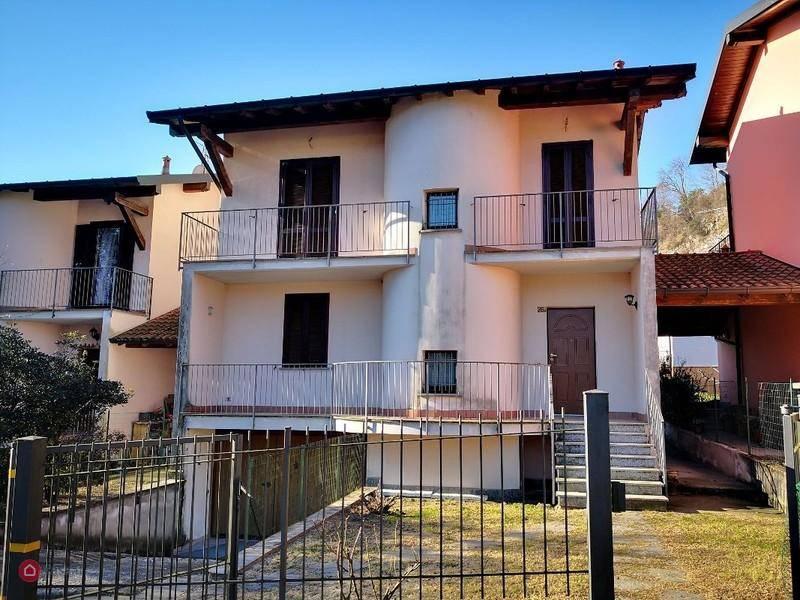 Villa in vendita a Monvalle, 6 locali, prezzo € 240.000 | CambioCasa.it
