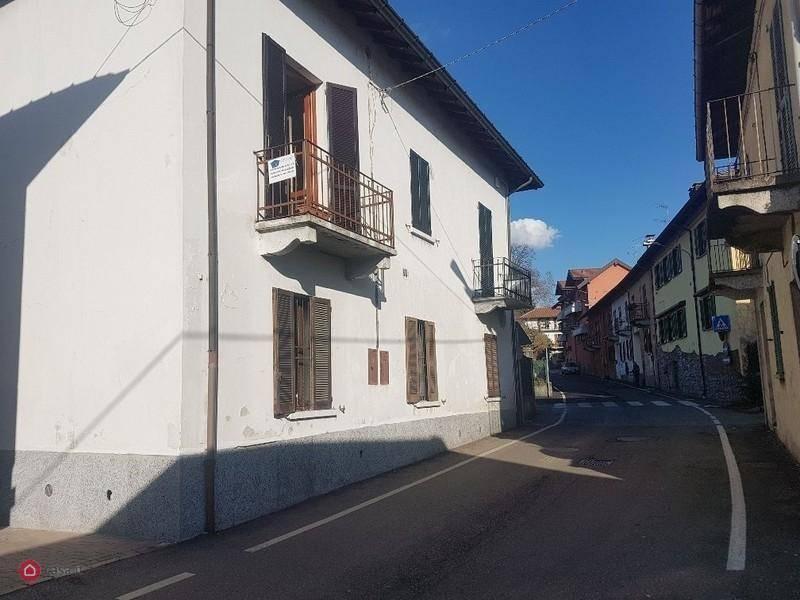 Appartamento in vendita a Taino, 3 locali, prezzo € 85.000 | CambioCasa.it