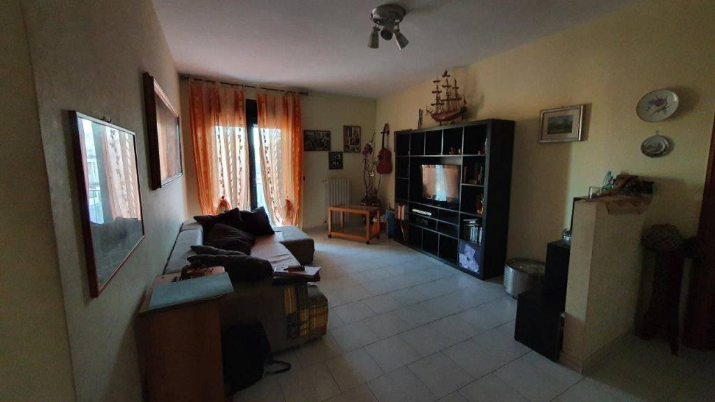 Appartamento in vendita a Casamassima, 3 locali, prezzo € 105.000 | CambioCasa.it