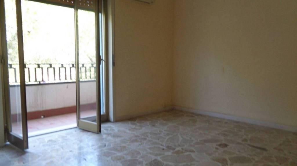 Appartamento in Vendita a Viagrande Centro: 2 locali, 75 mq