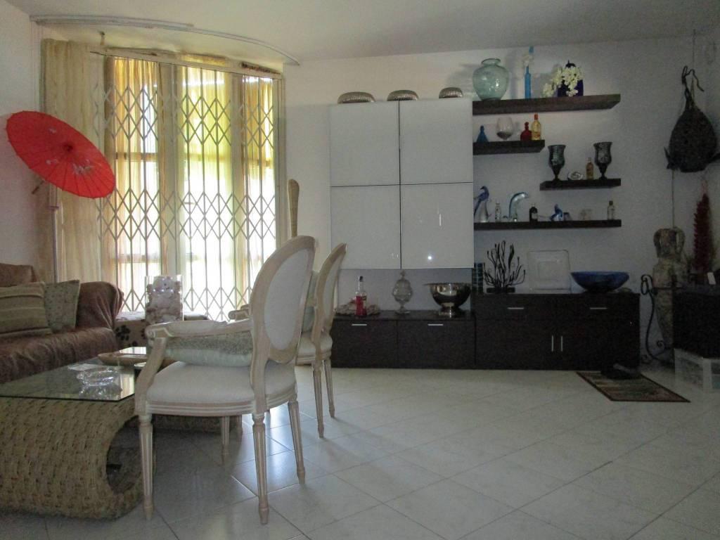 Villa in Vendita a Livorno Periferia Est: 4 locali, 91 mq