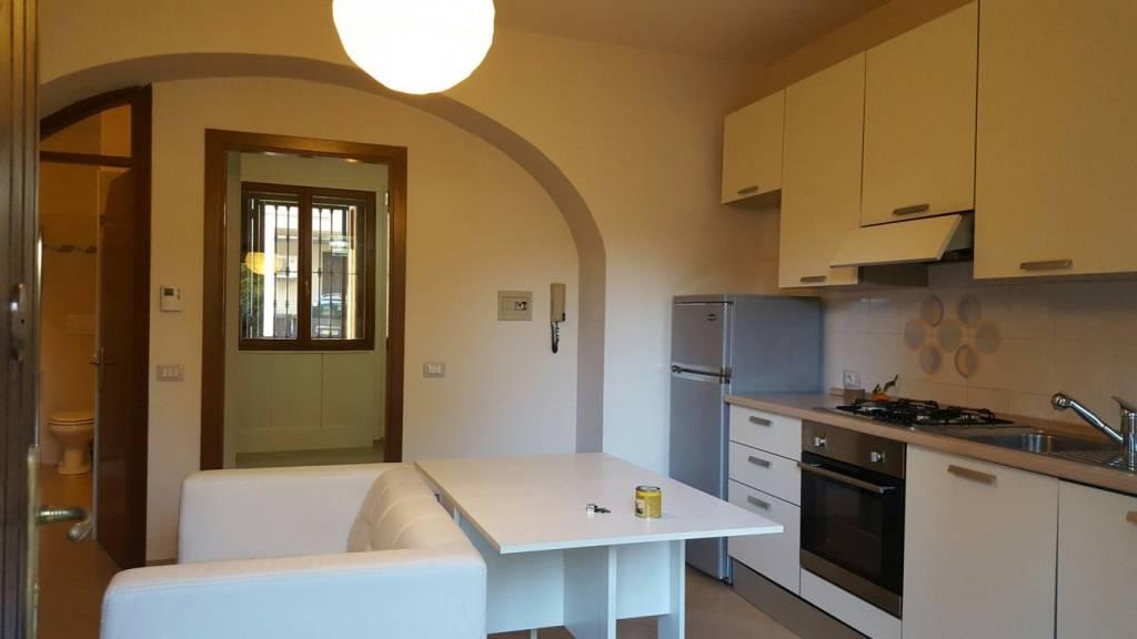 Appartamento in vendita a Comerio, 3 locali, prezzo € 80.000   CambioCasa.it