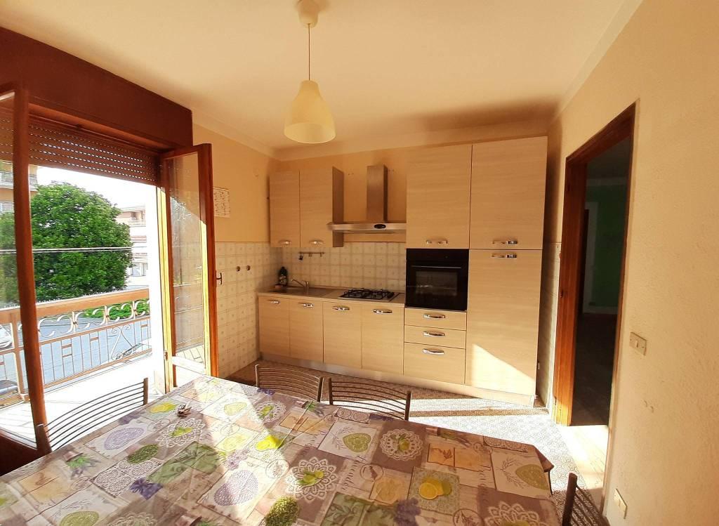 Appartamento in affitto a Santhià, 5 locali, prezzo € 500 | PortaleAgenzieImmobiliari.it