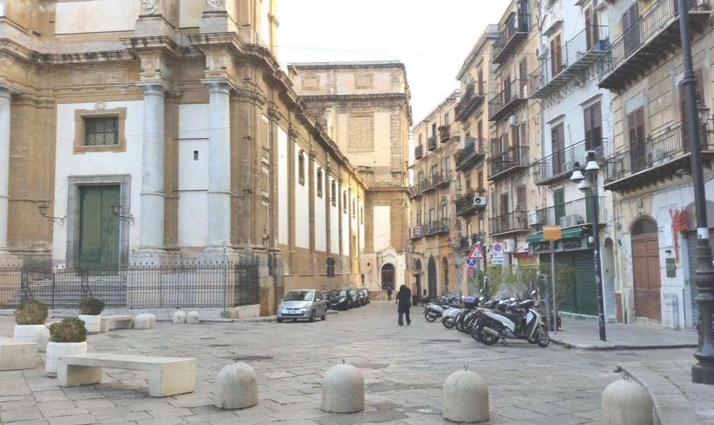 Appartamento in Vendita a Palermo Centro: 3 locali, 75 mq