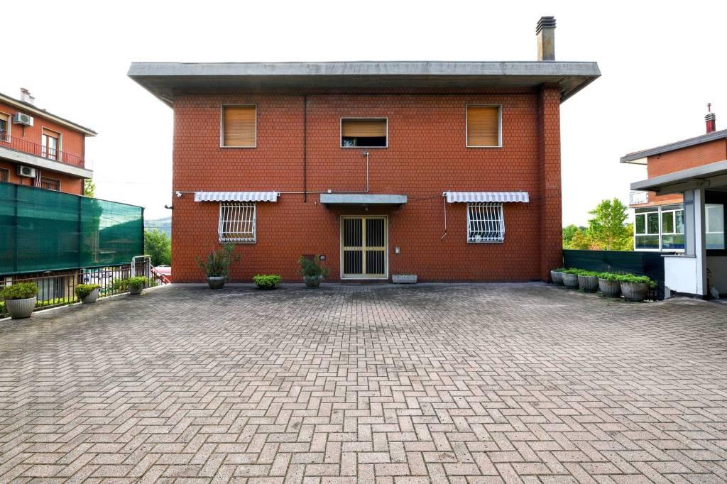 Appartamento in vendita a Casalecchio di Reno, 3 locali, prezzo € 158.000 | CambioCasa.it