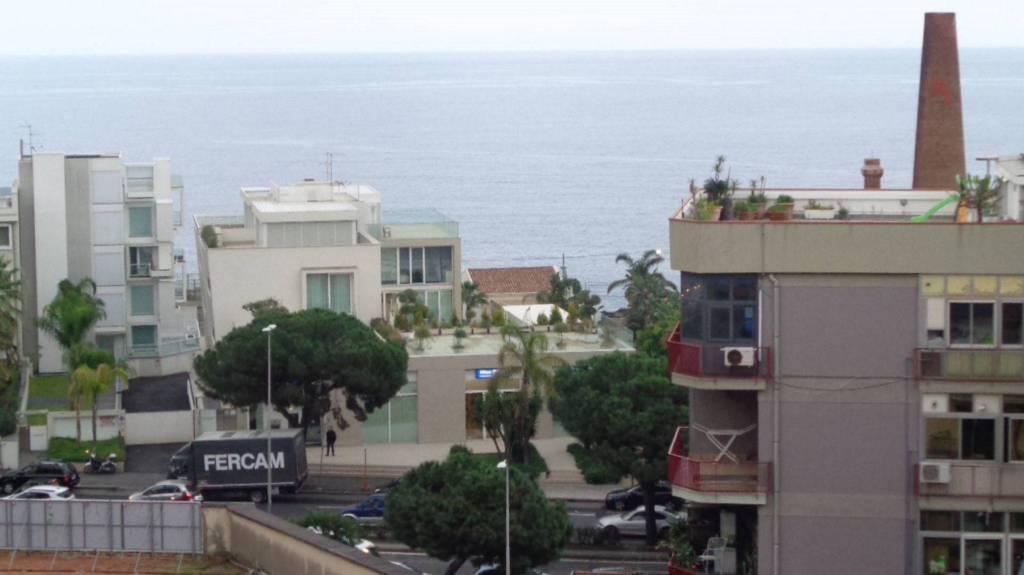 Appartamento in Vendita a Catania Centro:  4 locali, 95 mq  - Foto 1