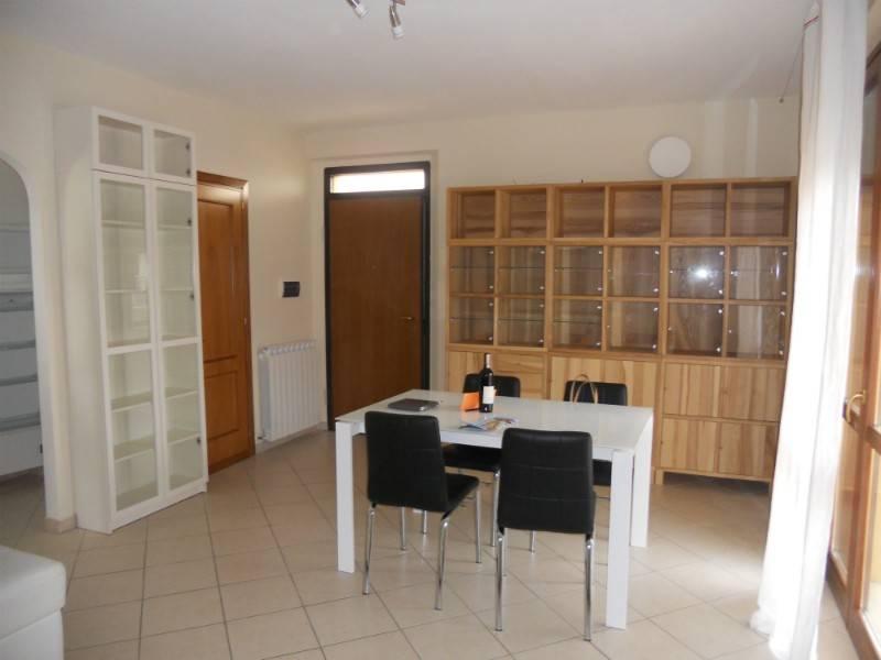 Appartamento in Vendita a Castiglione Del Lago Centro:  4 locali, 105 mq  - Foto 1