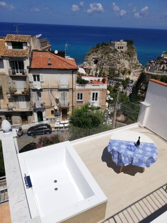 Appartamento in vendita a Tropea, 3 locali, prezzo € 290.000 | CambioCasa.it