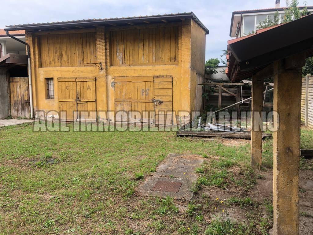 Soluzione Indipendente in vendita a Sedriano, 6 locali, prezzo € 300.000 | PortaleAgenzieImmobiliari.it