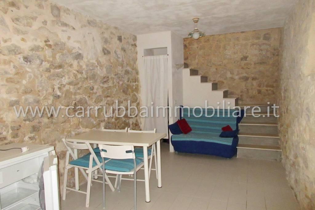 Casa indipendente in Vendita a Scicli Centro: 2 locali, 37 mq