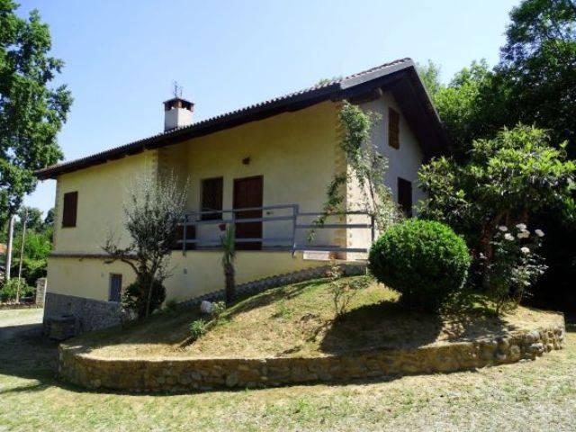Villa in vendita a Forno Canavese, 7 locali, prezzo € 170.000 | CambioCasa.it