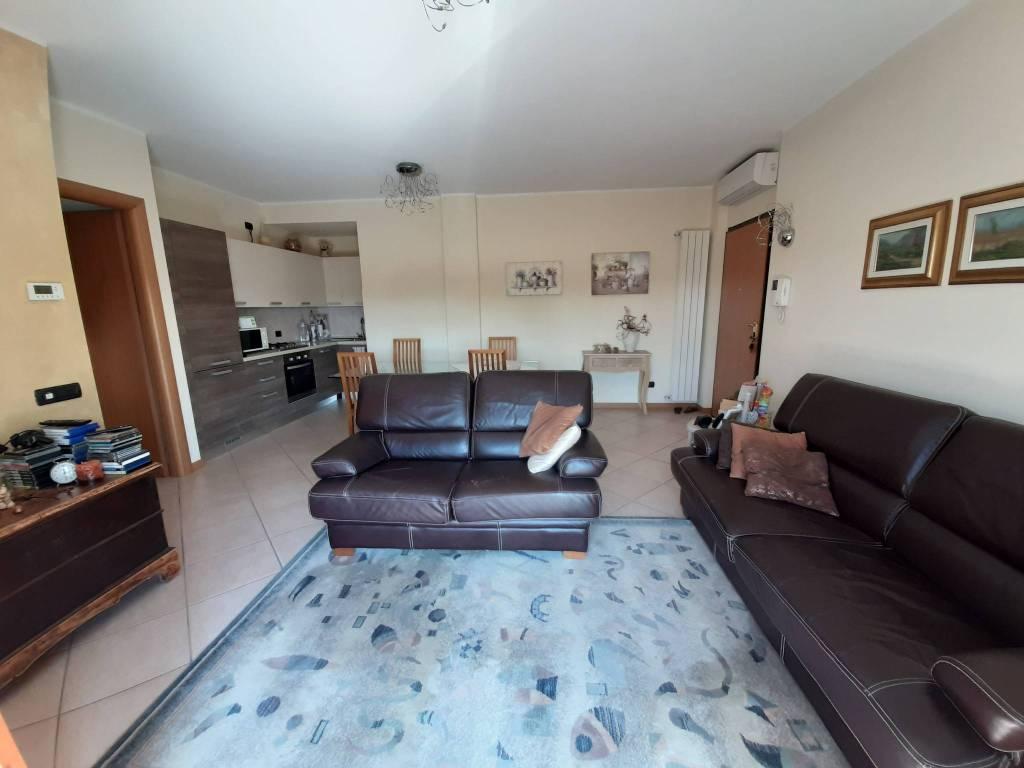 Appartamento in vendita a Calcinate, 3 locali, prezzo € 130.000   PortaleAgenzieImmobiliari.it