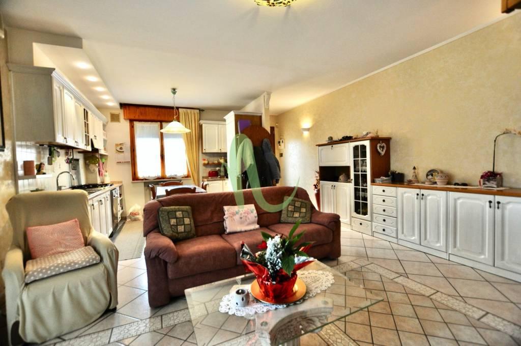 Appartamento in Vendita a Gatteo Centro: 4 locali, 105 mq