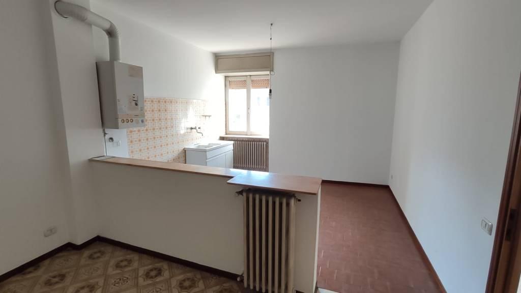 Appartamento in vendita a Alzano Lombardo, 3 locali, prezzo € 58.000 | PortaleAgenzieImmobiliari.it