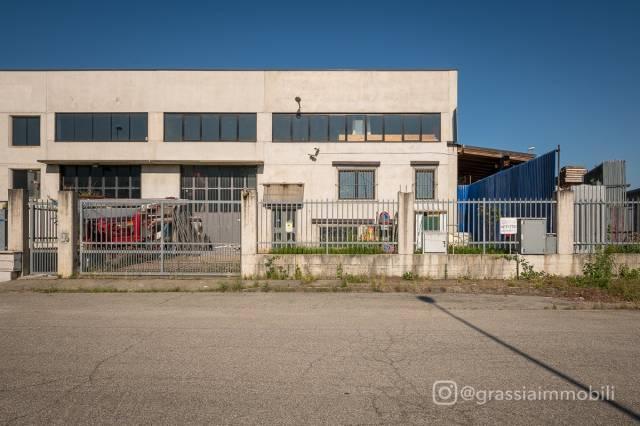 Capannone in Vendita a Rivalta Di Torino Periferia: 5 locali, 609 mq