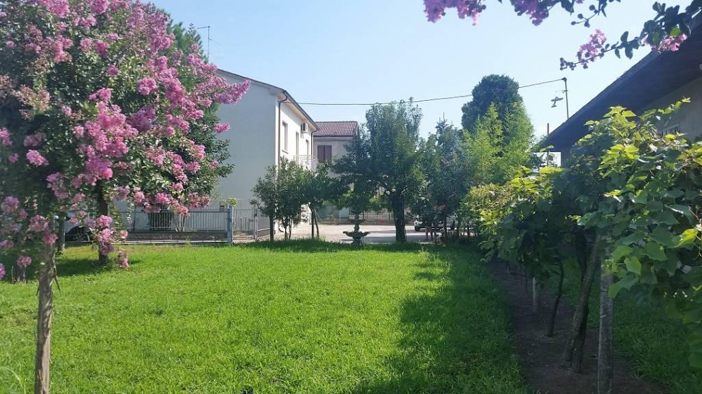 Soluzione Indipendente in vendita a Bovolone, 8 locali, prezzo € 230.000   PortaleAgenzieImmobiliari.it