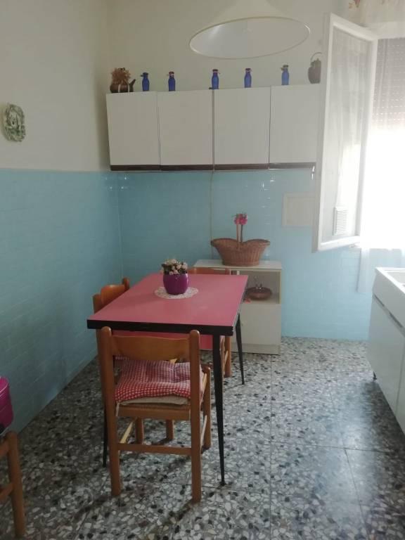 Appartamento in vendita a Livorno, 4 locali, prezzo € 125.000   CambioCasa.it