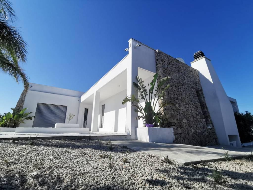 Villa in vendita a Sannicola, 6 locali, prezzo € 540.000 | CambioCasa.it