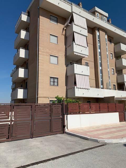 Appartamento in Vendita a Foggia Semicentro: 2 locali, 64 mq