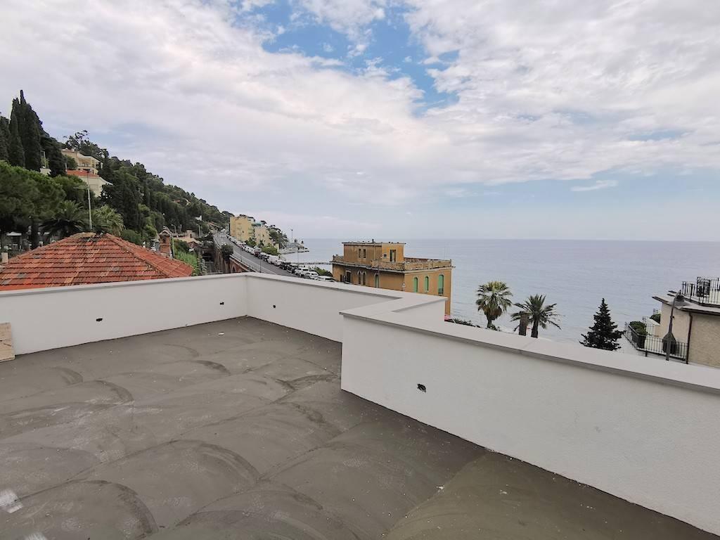 Appartamento in vendita a Alassio, 3 locali, prezzo € 395.000 | CambioCasa.it