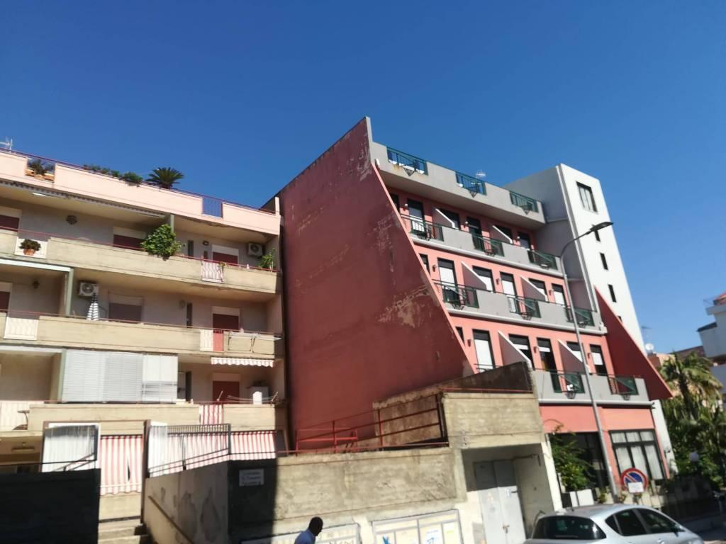 Appartamento in vendita a Roccalumera, 3 locali, prezzo € 45.000 | CambioCasa.it