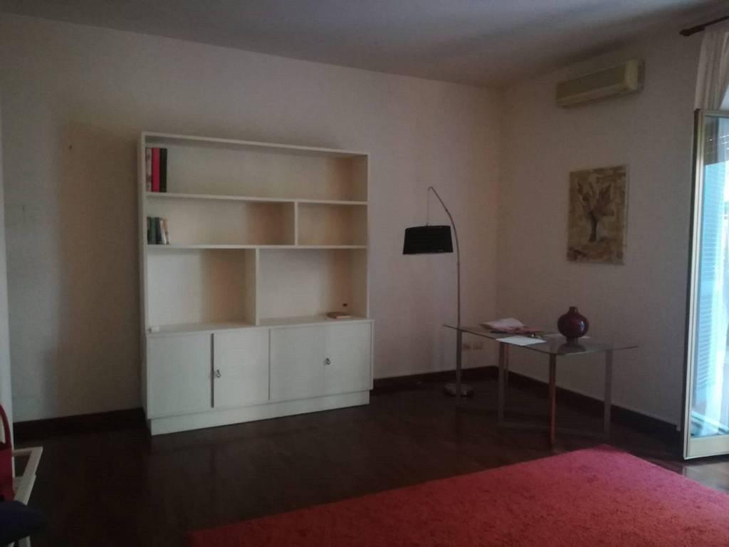 Appartamenti quadrilocali in affitto a catania for Appartamenti arredati in affitto a catania